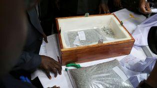 Le 9 septembre 2017, les autorités tanzaniennes confisquent près de 30 millions de dollars de diamants en partance pour Anvers. (Reuters)