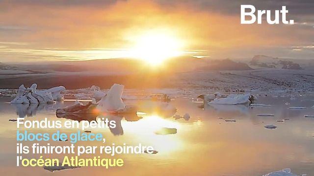 En Islande, la fonte d'un glacier a donné naissance à ce lieu magnifique où des blocs de glace dérivent au gré du courant… C'est la lagune Jökulsárlón.