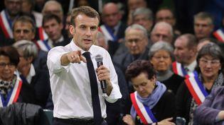 Le président Emmanuel Macron s'exprime devant des maires, le 15 janvier 2019 àGrand Bourgtheroulde(Eure), pour le lancement du grand débat national. (LUDOVIC MARIN / AFP)