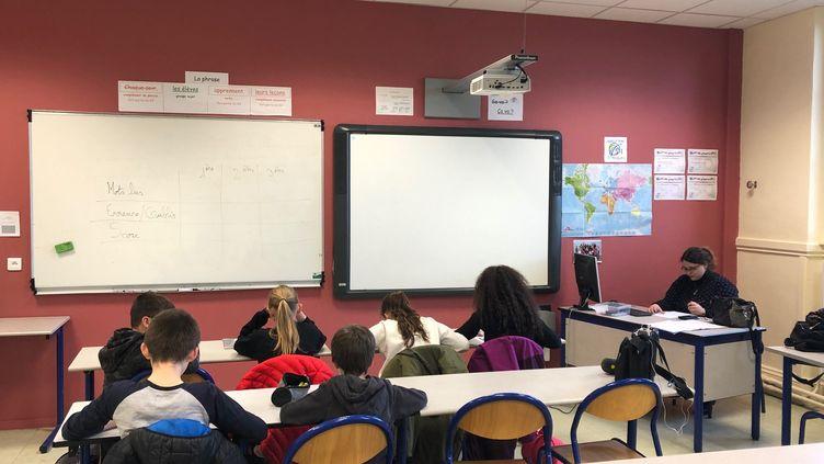Au collège Les Frères Le Nain deLaon dans l'Aisne, vingt-cinq élèves bénéficient d'undispositifd'aide pour lutter contre les difficultés en lecture. (ALEXIS MOREL / FRANCE INFO)