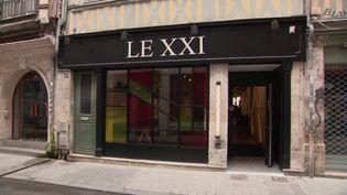 La devanture du restaurant Le XXI à Rouen, fraîchement ouvert. (France 3 Rouen)