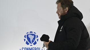 Le président du Comnebol, qui dirige le football sud-américain, Alejandro Dominguez, le 29 juillet 2021. (PABLO PORCIUNCULA / AFP)