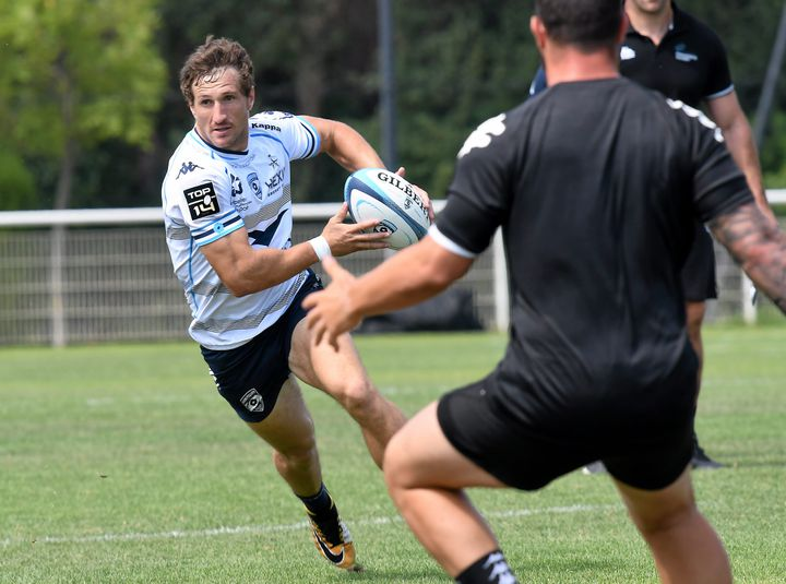 Revenu cet été en France, Johan Goosen a commencé à prendre ses repères lors d'un entraînement face à Provence Rugby. (MAX BERULLIER / MAXPPP)