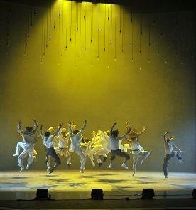 Une danse en transe orchestrée par Hofesh Shechter  (Gabriele Zucca)