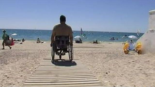 Handicap : les plages labellisées sont-elles vraiment accessibles ?
