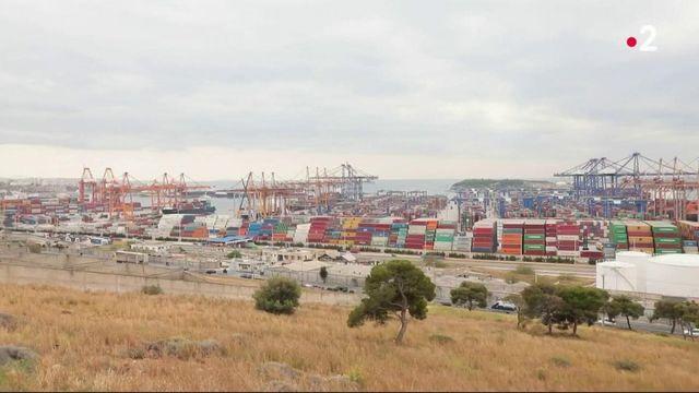 Grèce : cinq ans après la privatisation du port du Pirée, qu'en est-il ?