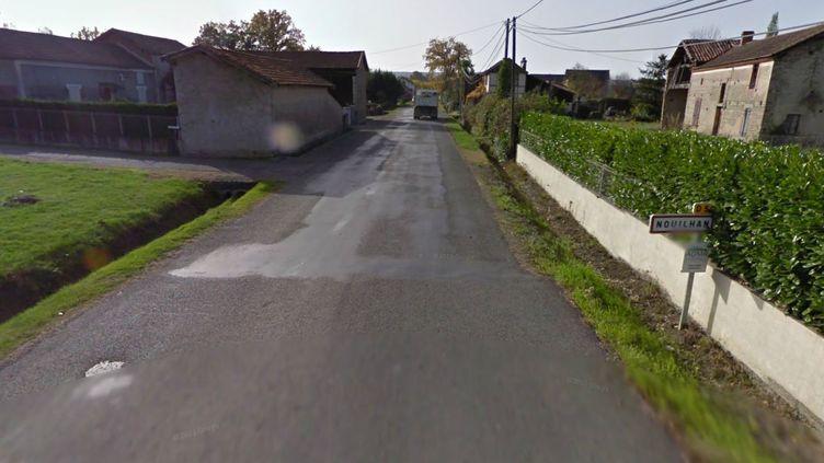 Une rue du village de Nouilhan (Hautes-Pyrénées), où un nonagénaire a été tué par un sans-abri, dans la nuit du 14 au 15 novembre 2013. (GOOGLE STREET VIEW / FRANCETV INFO)
