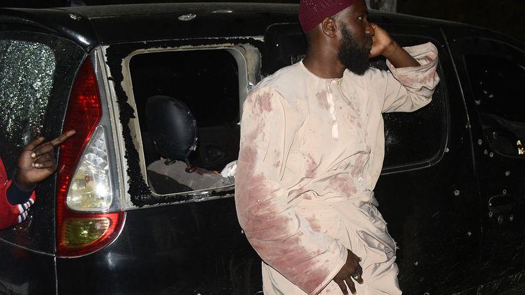 Un survivant de la fusillade visant un prédicateur musulman, perpétrée par des hommes armés, le 3 octobre 2013 à Mombasa (Kenya). ( AFP )
