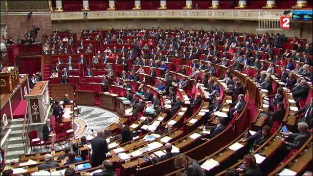 Déchéance de nationalité : les députés approuvent à une très courte majorité