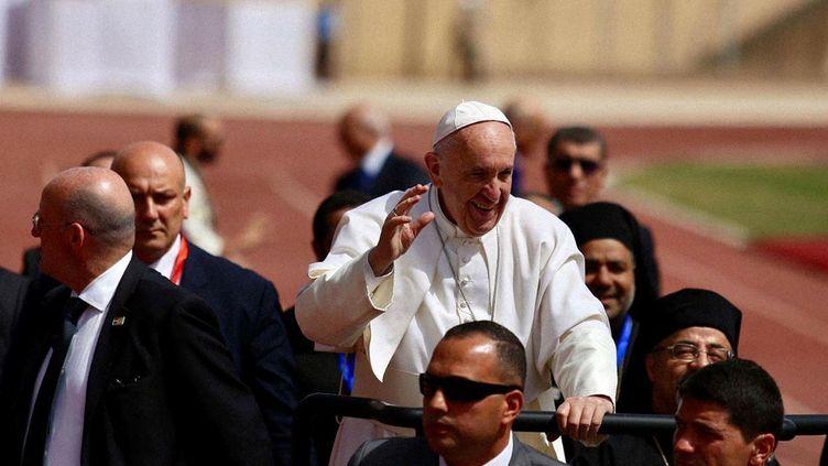 Le pape célèbre la messe, au Caire, en Egypte, samedi 29 avril 2017. (CATHOLIC CHURCH OF EGYPT - HANDO / ANADOLU AGENCY)