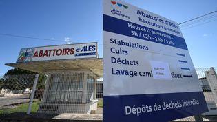 En octobre 2015, les abattoirs d'Alès ont été temporairement fermés suite aux vidéos de L214. (PASCAL GUYOT / AFP)