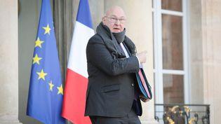 Michel Sapin, ministre de l'Économie et des Finances à la sortie du Conseil des ministres le 18 janvier 2017. (FRÉDÉRIC DUGIT / MAXPPP)