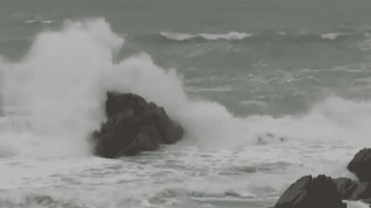 La tempête Joachim est responsable du naufrage d'un cargo dans le Morbihan. (FRANCE TÉLÉVISIONS)