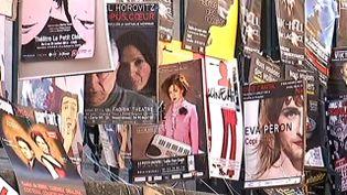 Les affiches des compagnies investissent les murs d'Avignon  (France 3 / Culturebox)