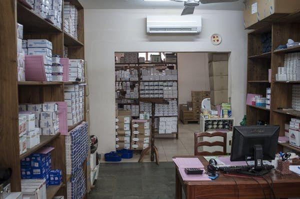 Entrepôt de médicaments au Bénin.  (Stefan Heunis/AFP)