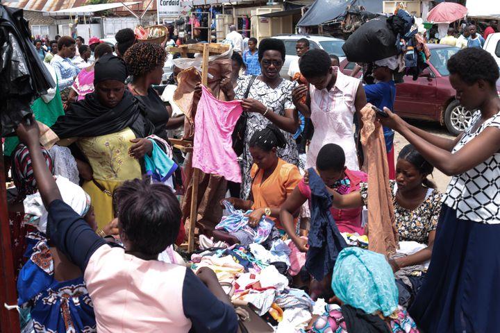 Un marché à Bujumbura, capitale économique du Burundi, le 9 avril 2020 (TCHANDROU NITANGA / AFP)