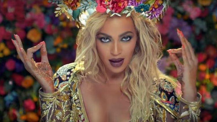 "Beyoncé dans le clip ""Hymn for a weekend"" de Colplay. (COLDPLAY OFFICIAL / YOUTUBE)"