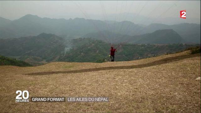 Grand format : le Népal, paradis du parapente