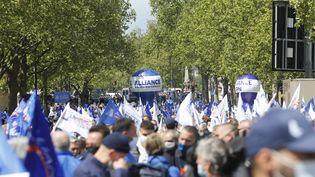 Des policiers ont manifesté mercredi 19 mai à Paris. (S?BASTIEN MUYLAERT / MAXPPP)