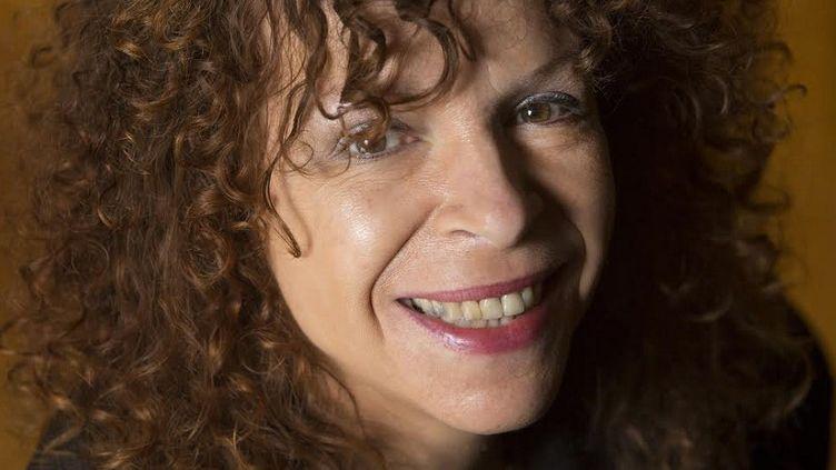 """La romancière Isabelle Minière publie en août 2014 son nouveau roman, """"Je suis très sensible""""  (@Raphaël Gaillarde)"""