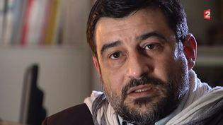 David Vallat, un ancien jihadiste, s'adresse aux jeunes candidats au jihad et les met en garde contre ce qui les attend. ( FRANCE 2)