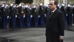 Le président François Hollande à la préfecture de police de Paris, le 7 janvier 2016. (MARTIN BUREAU / AFP)
