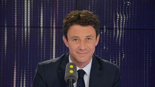 Benjamin Griveaux, secrétaire d'État auprès du Premier ministre et porte-parole du gouvernement. (JEAN-CHRISTOPHE BOURDILLAT / RADIO FRANCE)