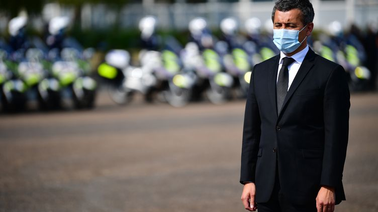 Le ministre de l'Intérieur Gérald Darmanin à l'investiture de la nouvelle patronne des CRS, Pascale Regnault-Dubois, à Velizy-Villacoublay (Yvelines), le 11 septembre 2020. (MARTIN BUREAU / AFP)
