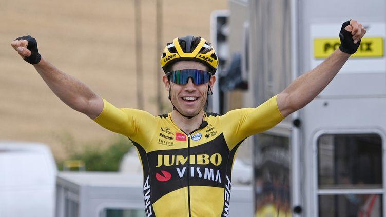 Wout Van Aert (Jumbo-Visma), impressionnant vainqueur de la première étape du 72e Critérium du Dauphiné. (ANNE-CHRISTINE POUJOULAT/POOL / AFP POOL)