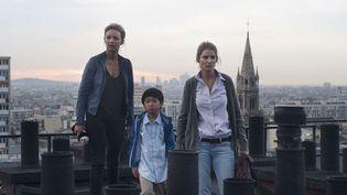 """Virginie Efira et Alice Taglioni, deux soeurs unies pour aider le petit """"Cookie"""" (Max Ding)  ( Etienne GEORGE)"""