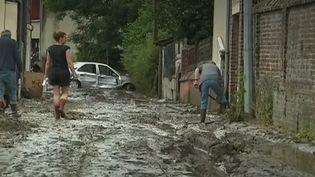 Dans la nuit du lundi 24 au mardi 25 juin, de violents orages ont provoqué des coulées de boue à Lisieux, dans le Calvados. (FRANCE 2)