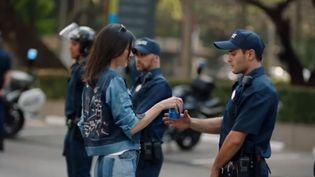 Capture écran Youtube de la publicité Pepsi avec Kendall Jenner, jeudi 6 avril 2017. (KENDALL AND KYLIE)