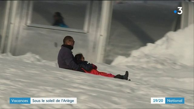 Vacances : la neige et le soleil s'invitent sur les pistes de ski