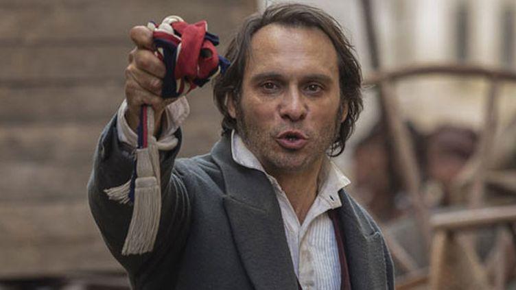 """Yannick Choirat dans """"Victor Hugo, ennemi d'Etat""""  (Denis Manin / Quad Télévision / Point du jour / FTV)"""