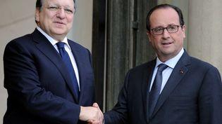 François Hollande reçoit José Manuel Barroso à l'Elysée, le 9 juillet 2014. (STEPHANE DE SAKUTIN / AFP)