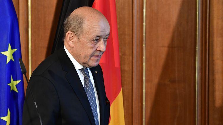 Le ministre des Affaires étrangères, Jean-Yves Le Drian, le 7 mai 2018 à Berlin (Allemagne). (TOBIAS SCHWARZ / AFP)