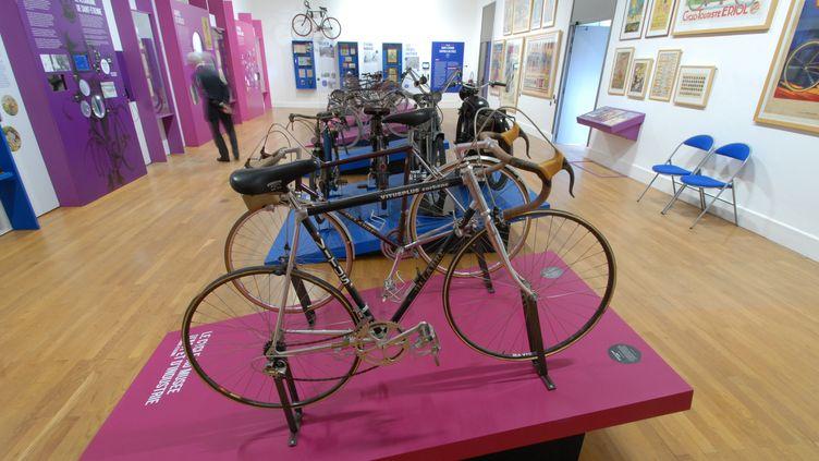 """L'exposition """"le cycle à Saint-Etienne, un siècle de savoir-faire""""."""