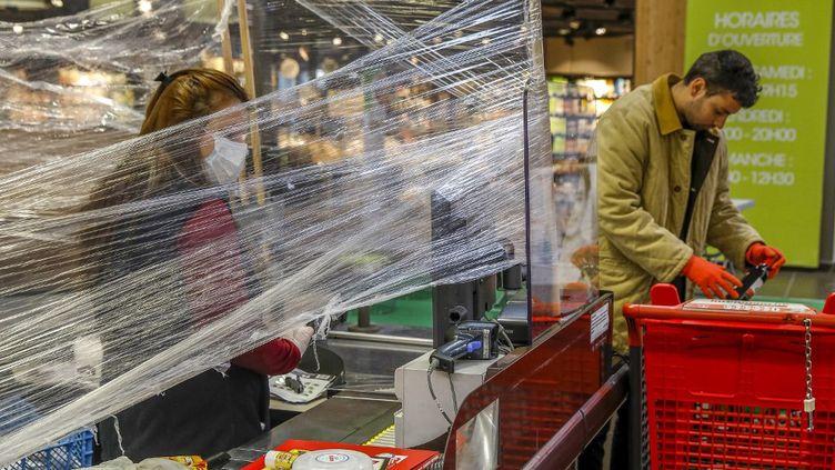 Un supermarché dans l'Eure, le 8 mai 2020. (GODONG / BSIP / AFP)