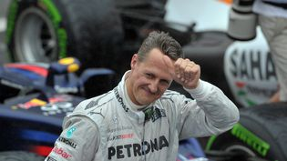 L'ex-pilote de Formule 1 allemand Michael Schumacher après le Grand Prix du Brésil, le 25 novembre 2012 à Sao Paulo, un an avant son accident. (YASUYOSHI CHIBA / AFP)