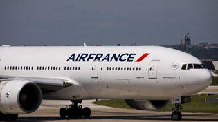 Un avion Air France à l'aéroport d'Orly à Paris, le 11 mai 2018. (MAXPPP)