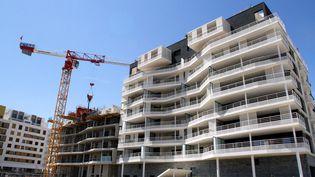 Un immeuble en construction dans lequartier de Port-Marianne à Montpellier (Hérault), le 22 juillet 2014. (MAXPPP)