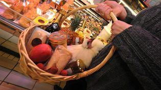 Langoustes, truffes et foie gras sont toujours plébiscités par les Français, qui font leurs courses à trois jours du 31 décembre. (  MAXPPP.)