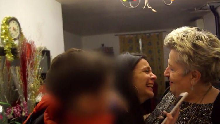 Myriam retrouve celle qui l'a élevée 6 ans en famille d'accueil (Capture d'écran Franceinfo)