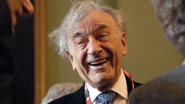 Elie Wiesel en 2006.  (BERTRAND LANGLOIS / AFP)
