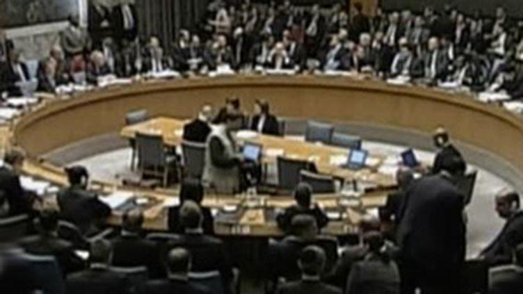 Le Conseil sécurité de l'ONU dans une résolution appelle à l'arrêt immédiat des combats. (F2)