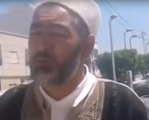 Le prédicateur Adel Admi, un ancien commerçant (selon le site tunisien kapitalis.com) (capture d'écran d'une vidéo de Youtube) (DR (capture d'écran de Youtube))