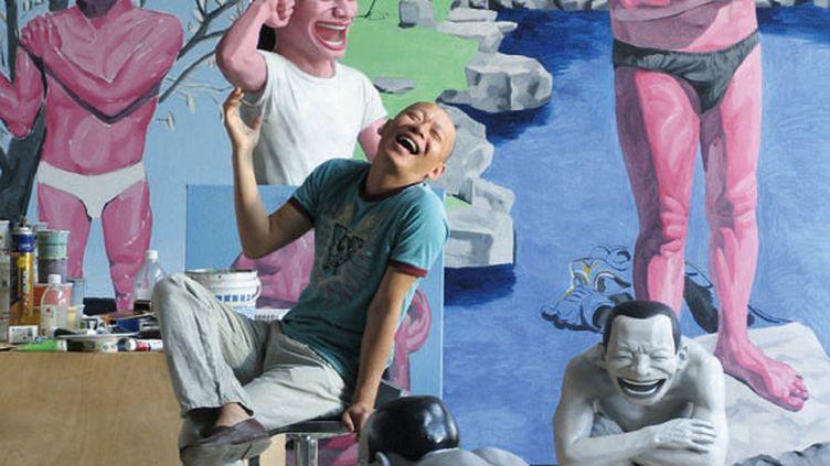 L'artiste Yue Minjun dans son studio, à Pékin (Chine), en mai 2007. ( YUE MINJUN PHOTO COURTESY YUE MINJUN STUDIO)