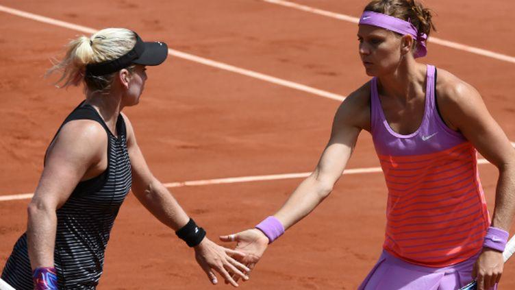 Lucie Safarova, défaite la veille en finale de Roland-Garros, a remporté dimanche le double aux côtés de Bethanie Mattek-Sands