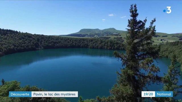Découverte : le lac Pavin un écrin à l'état brut, entouré de légendes