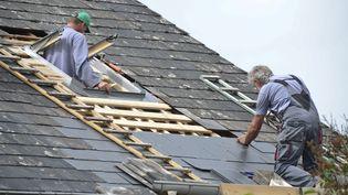 Rénovation d'une toiture, comment bien lire les devis. Photo d'illustration. (MAXPPP)